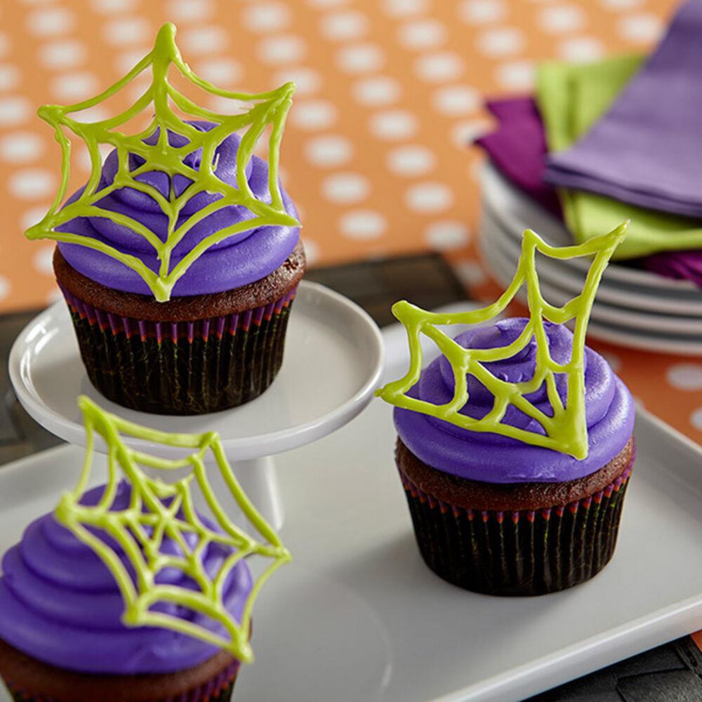 Halloween Cupcake Decorating Ideas Spider Web : Spider Web Cupcakes Wilton