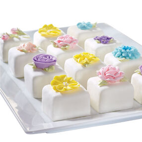 Bite-Sized Blooms Mini Cakes