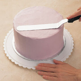 Wilton | Using A Spatula