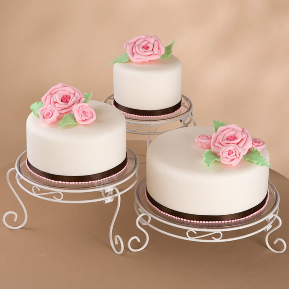 Rose Bouquets Cake Wilton