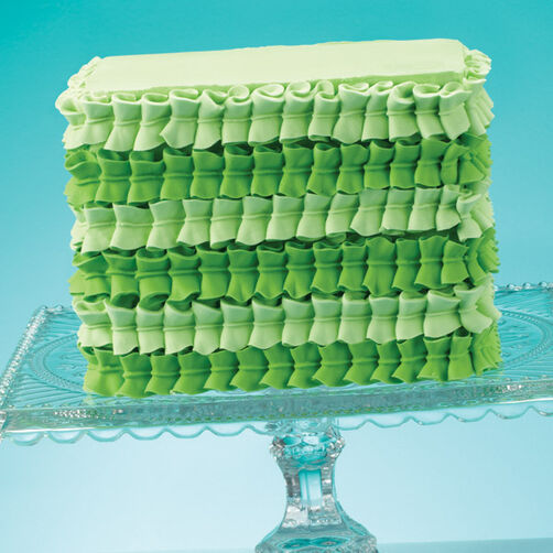 Cake Decorating How To Make A Leaf : Green Leaf Tip Square Cake Wilton