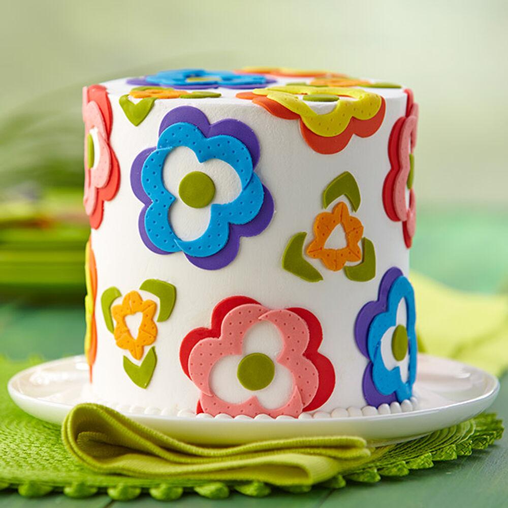 Fondant Flowers For Wedding Cakes: Cheery Fondant Flower Array Cake