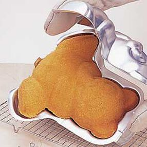 Baking 3D Bear Cake
