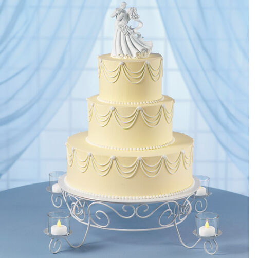 Garland's Glow Wedding Cake