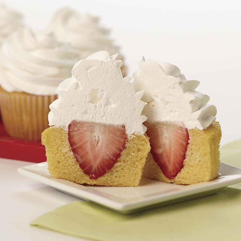 Strawberry Cake Frosting With Whipped Topping