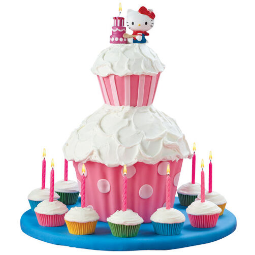 Hello Kitty Candle Cake & Cupcake