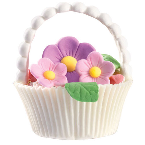 Blossom-Filled Basket Candies