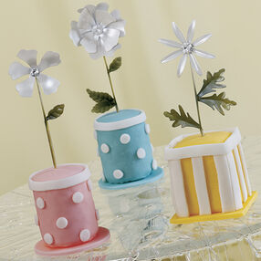 Virtual Vases Mini Cakes