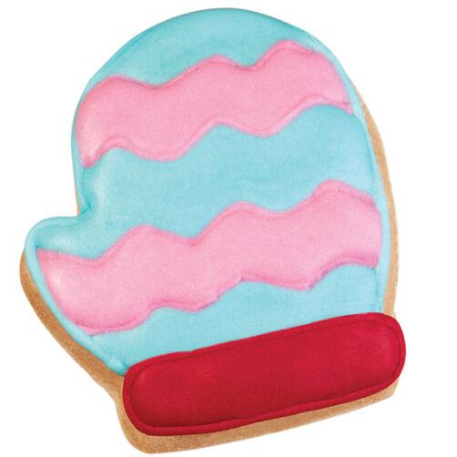 Glistening Mittens Pan Cookies