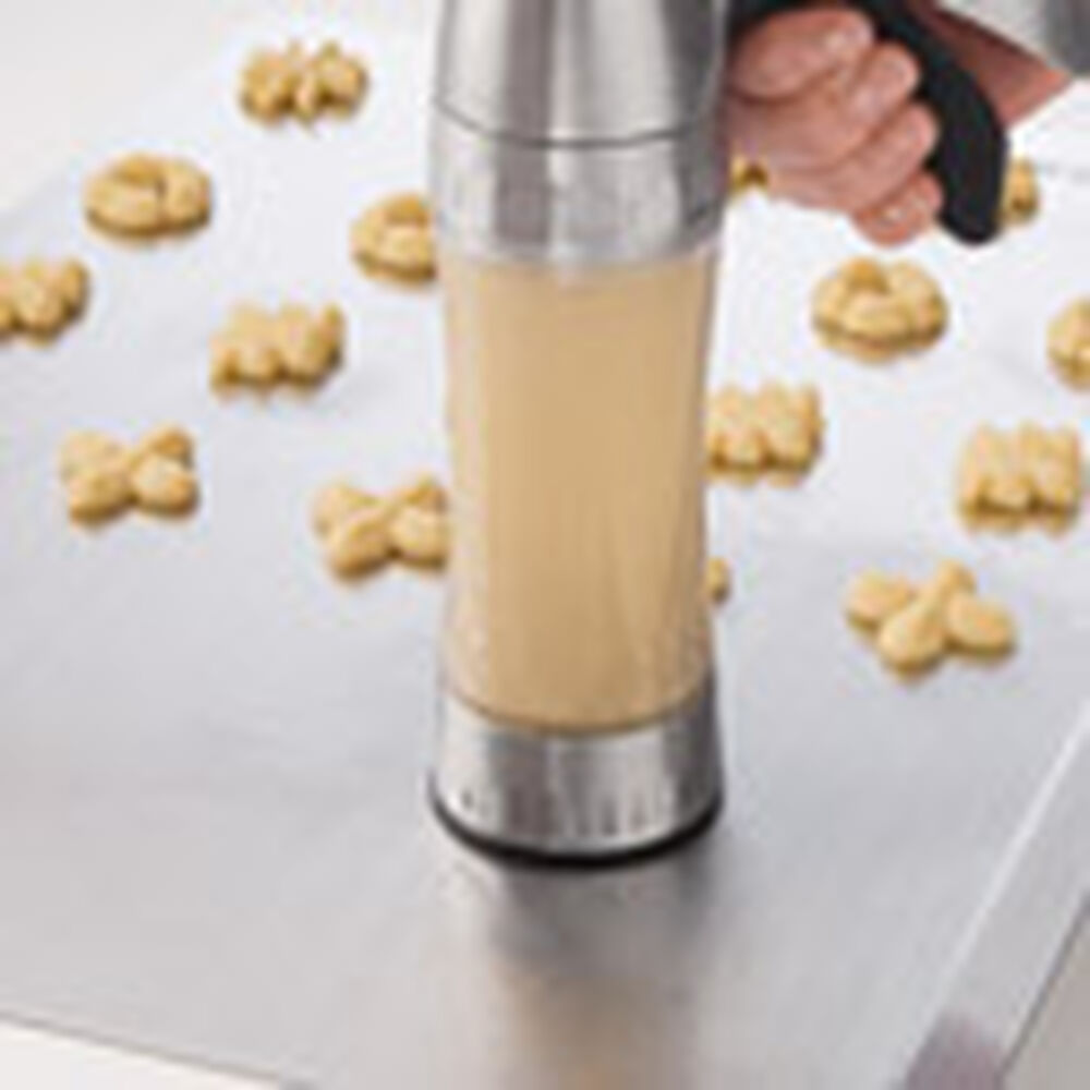 How To Use A Cookie Press Wilton