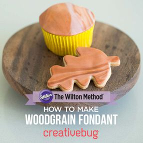 The Wilton Method: How to Make Woodgrain Fondant