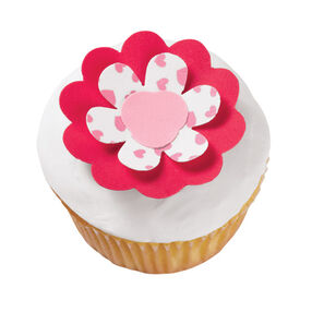 Three-Fold Flower Cupcakes