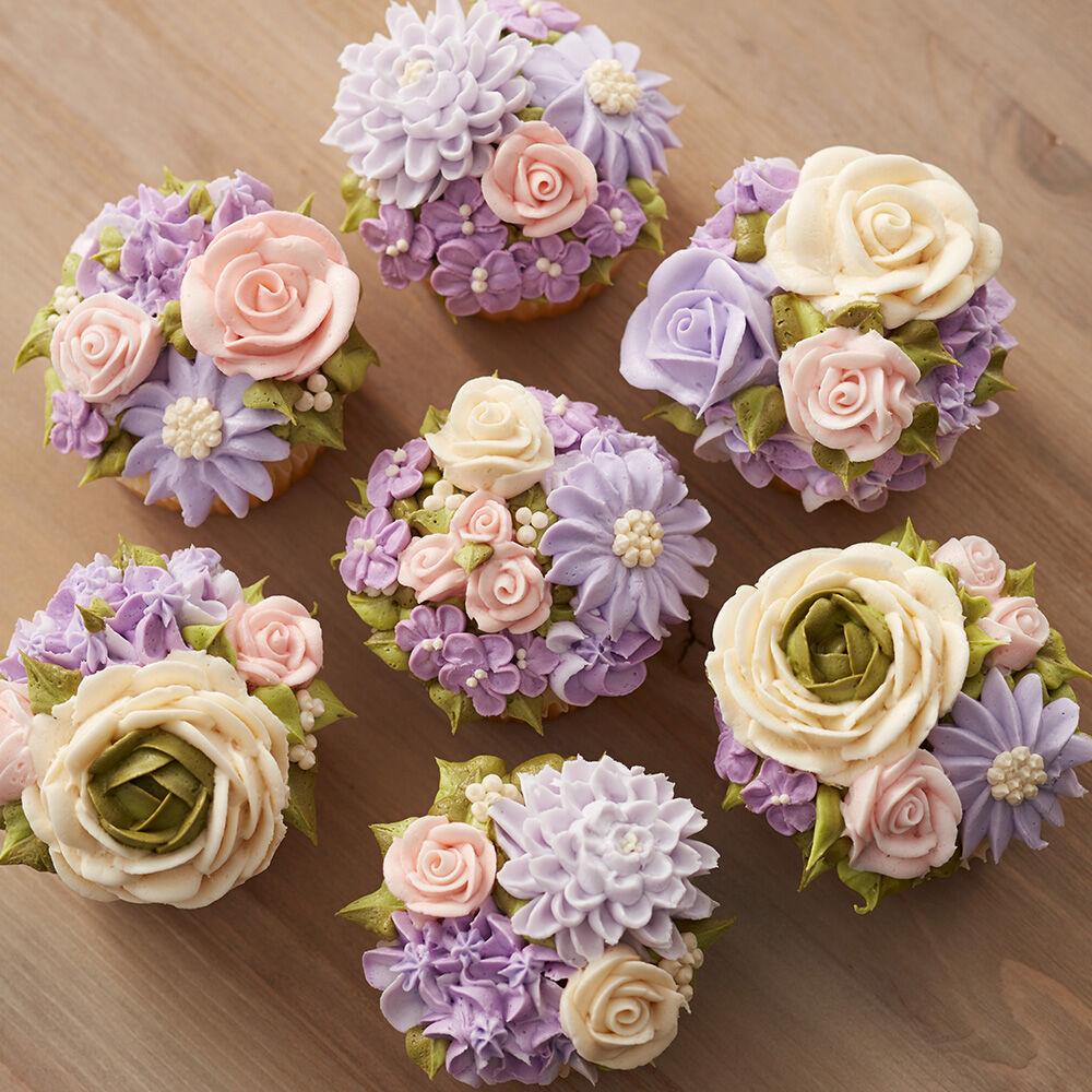 Floral Fantasy Motheru0026#39;s Day Cupcakes