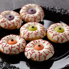 Eye Scare You Halloween Doughnuts
