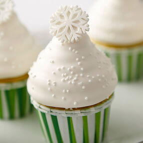 Christmas Candy-Dipped Cupcakes With Sparkling Snowflakes