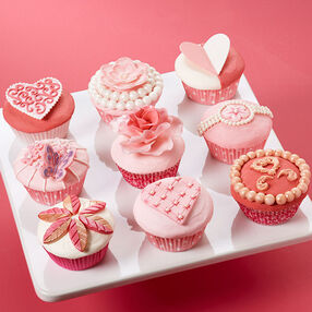 Soft and Sophisticated Valentine?s Day Cupcakes Scene