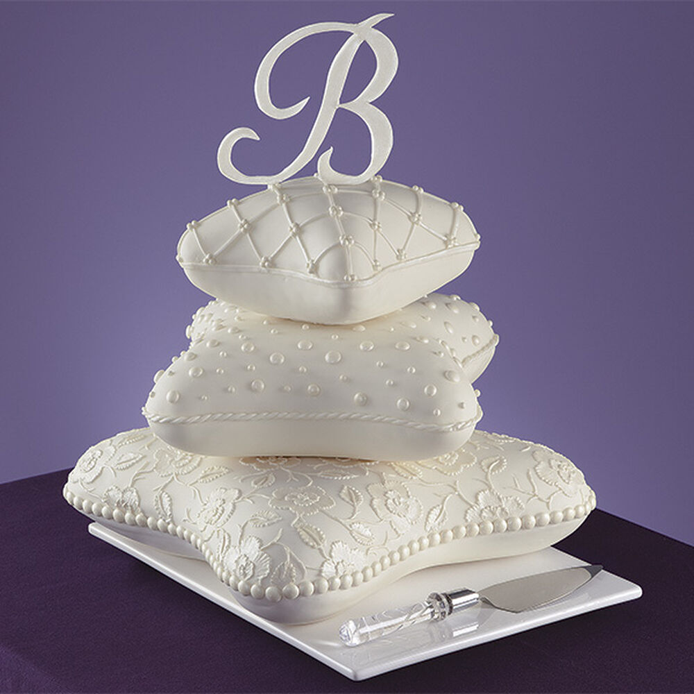 Pillows To Dream On Cake Wilton