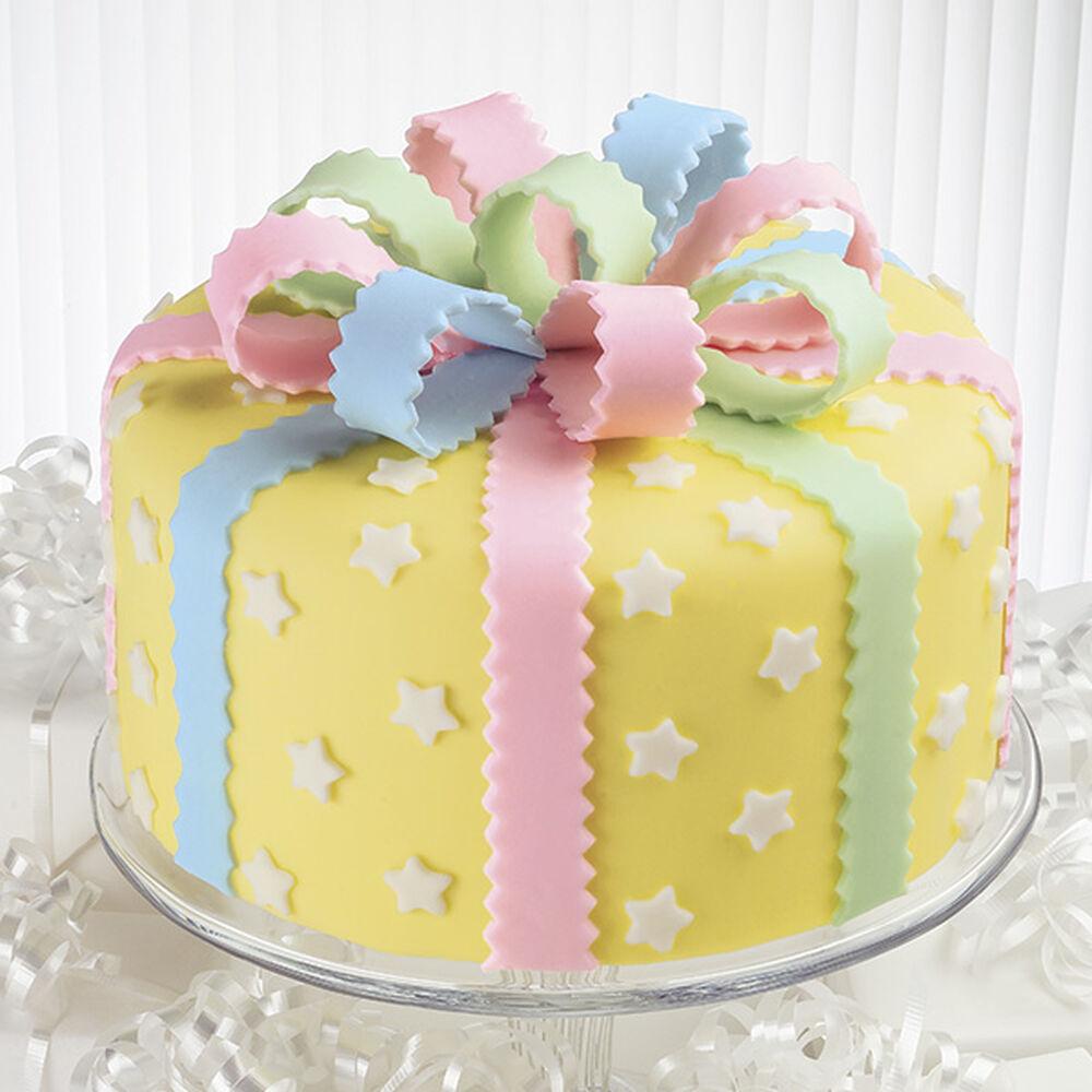 Take A Bow Cake Wilton