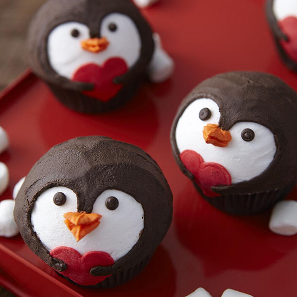penguin valentine s day cupcakes wilton
