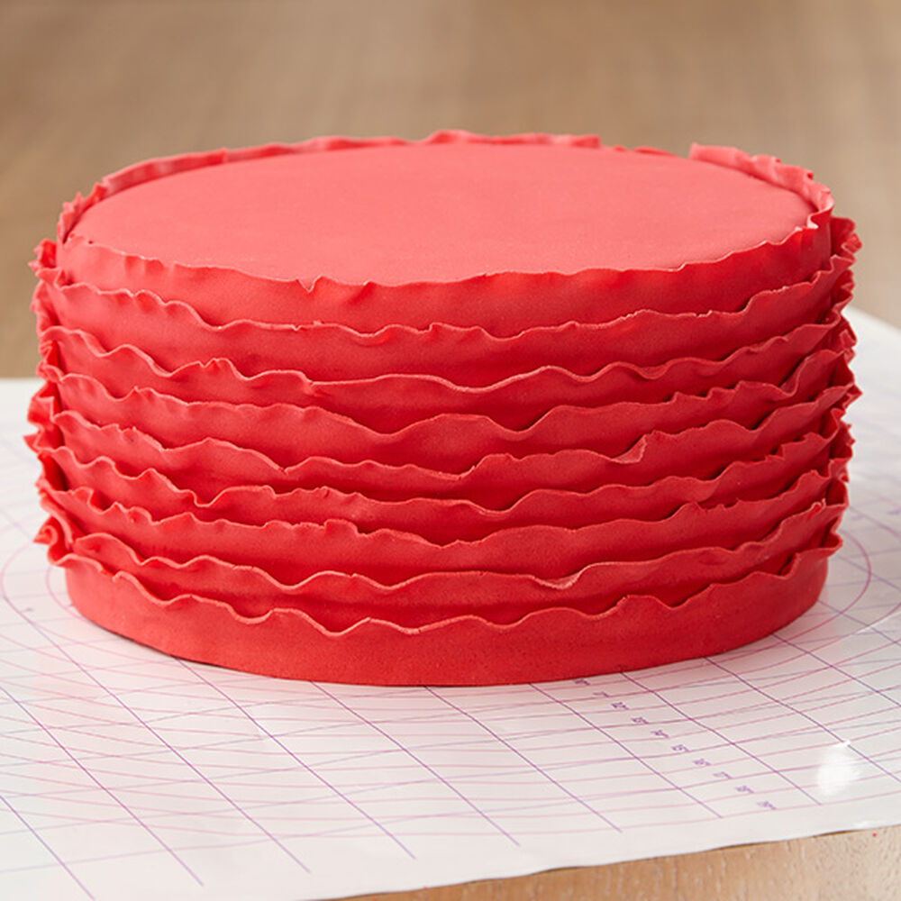 how to get straight edges on fondant cake