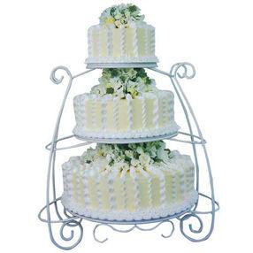 Delicate Trellis Cake