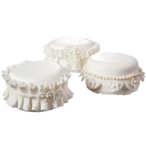 Ring Pillow Trio Mini Cakes