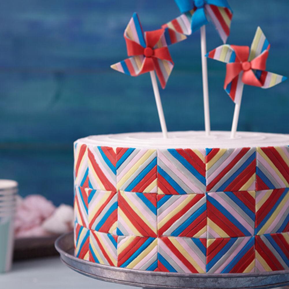 Pinwheel Quilt Cake Wilton