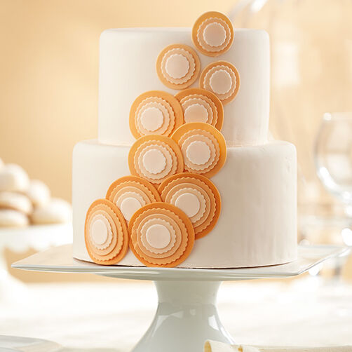 Circle Cascade Fondant Cake