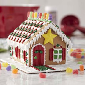 Star of the Holidays Gingerbread House