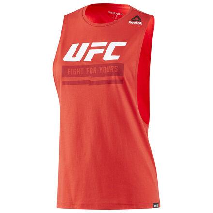Поддержи своего любимого бойца в официальной экипировке Reebok UFC Ultimate Fan Gear. И носи ее день за днем, бой за боем.