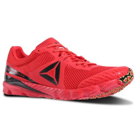 Бег для тебя всегда на первом месте. И завоевывать ты хочешь только первые места. Эти кроссовки созданы для скоростного бега, они подарят ощущение легкости на протяжении всей дистанции. А бесшовный верх поможет избежать натирания для непревзойденного комфорта. Пятка из углеродистой резины и подошва с технологией SpeedTrac обеспечат надежное сцепление во время движения.