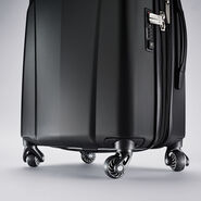 "Samsonite Hyperflex 2.0 24"" Spinner in the color Black."