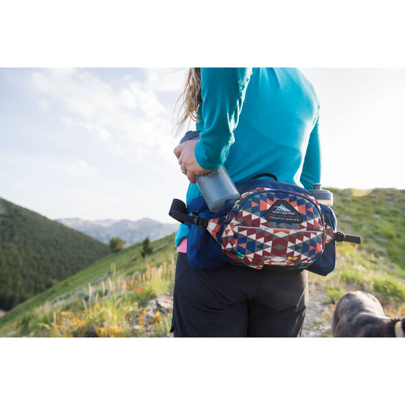 High Sierra Tokopah 3L + 2 Waistpack in the color Pilot/Atlantic/Crimson.