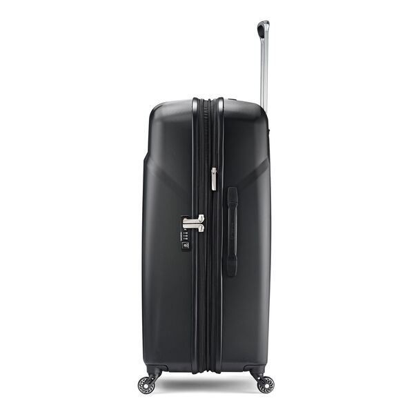 "Samsonite Hyperflex 2.0 29"" Spinner in the color Black."