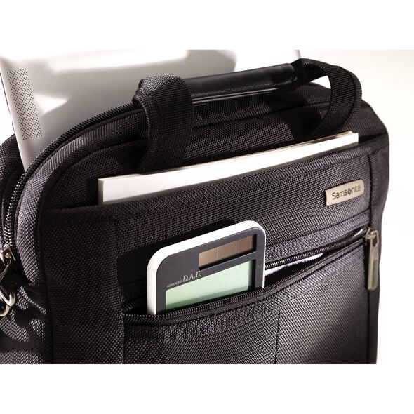 Samsonite Classic 2 Tablet Shuttle in the color Black.