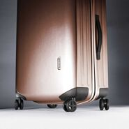 "Samsonite Inova 28"" Spinner in the color Rose Gold."
