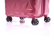 "Samsonite Tri-Go 29"" Spinner in the color Red Bean."