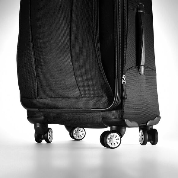 "Samsonite Verana XLT 30"" Spinner in the color Black."