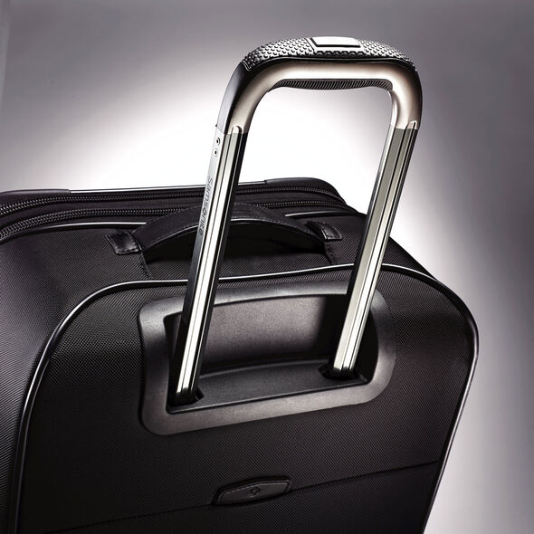 "Samsonite Quadrion 21"" Spinner in the color Black."