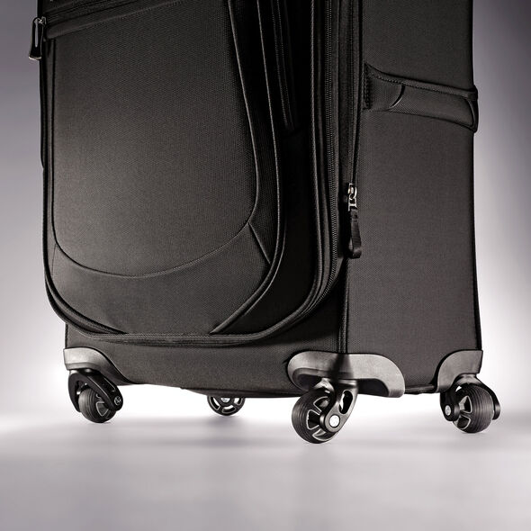 "Samsonite Mightlight 2 25"" Spinner in the color Black."