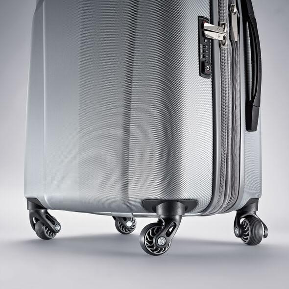 "Samsonite Hyperflex 2.0 29"" Spinner in the color Silver."