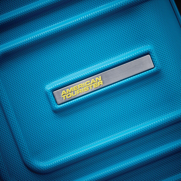 """American Tourister Sunset Cruise 24"""" Spinner in the color Summer Sky."""