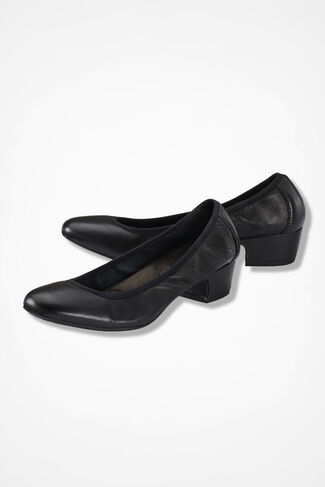 """Viviette"" Pumps by Born®, Black, large"
