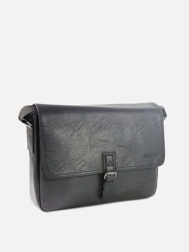 SINGLE-GUSSET MESSENGER BAG, BLACK