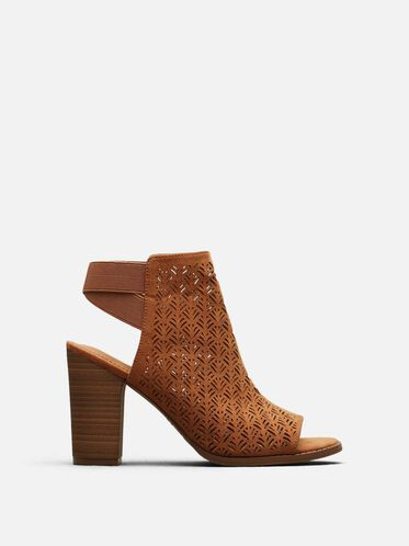 Kay Fly Laser-Cut Stacked Heel, UMBER