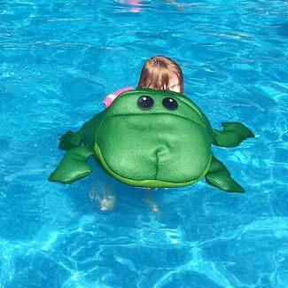 Lilly Seaside Rider Floating Frog