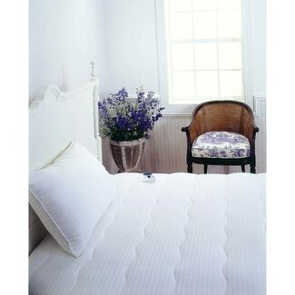 Serta 233T Dobby-Stripe Waterproof Heated Mattress Pad