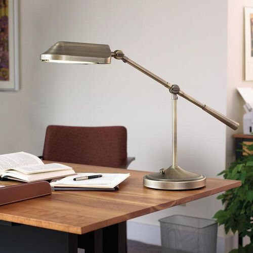 Heritage™ Natural Spectrum® Energy-Saving Desk Lamp