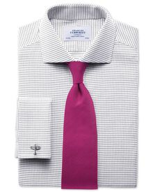 Extra slim fit spread collar non-iron white and black shirt