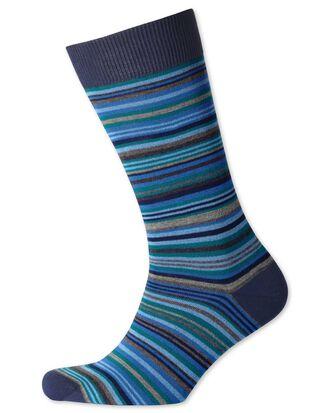 Socken in Blau mit Bunten Streifen